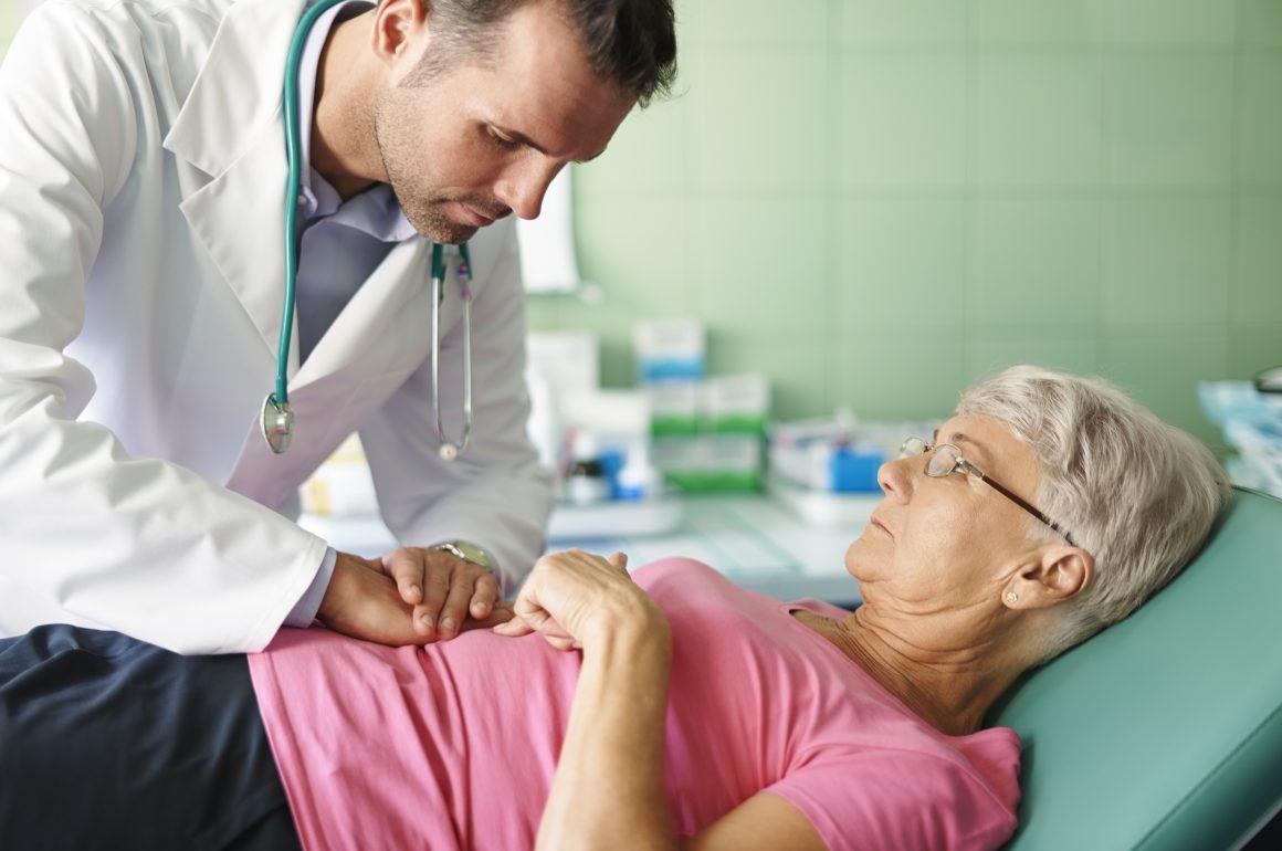 4 dicas para cuidar do estômago de idosos