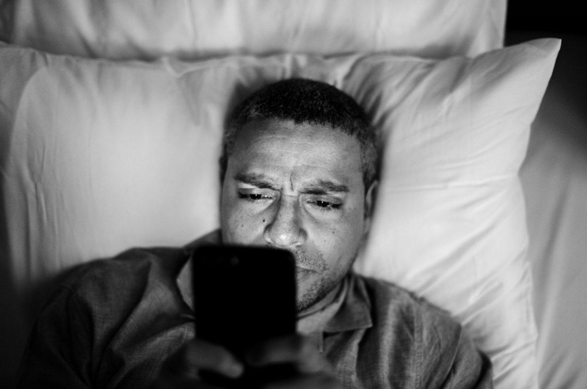 10 dicas simples e práticas para reverter a insônia em idosos