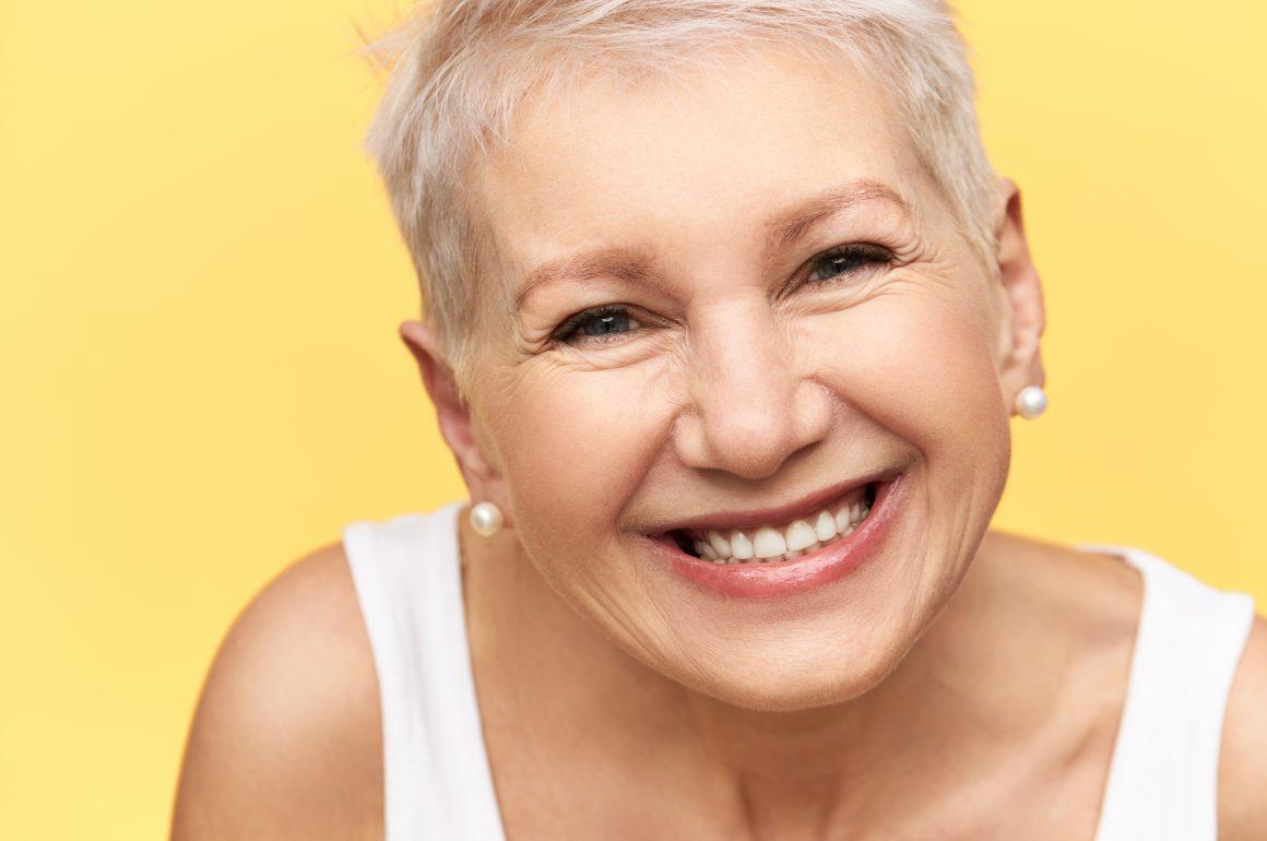8 dicas para preservação dos dentes de idosos